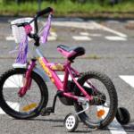 Met kinderhelmen veilig op de fiets